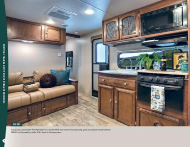 2017 Coachmen Freedom Express Brochure page 8