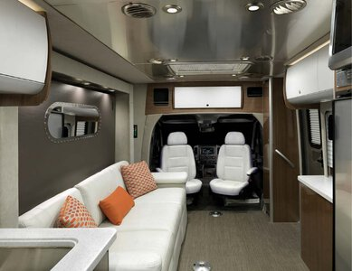 2019 Airstream Atlas Touring Coach Brochure page 18