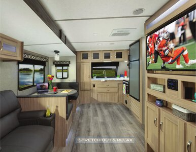 2021 Coachmen Freedom Express Brochure page 3